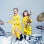 Kinder beim Fotoshooting im Cubetribe Tonstudio